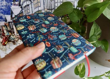 リバティ文庫サイズブックカバー・クリスマスギフト(英国リバティ)
