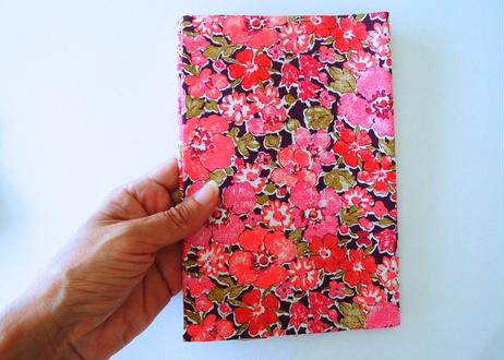 リバティブックカバー大・ピンク 花柄