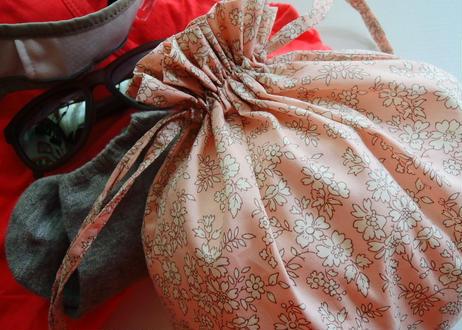 リバティトラベル巾着・メドウメロディ・ホワイト