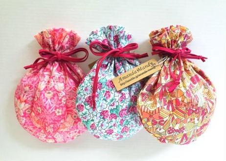 リバティキャンディ巾着・コベントガーデン・ホワイトピンク