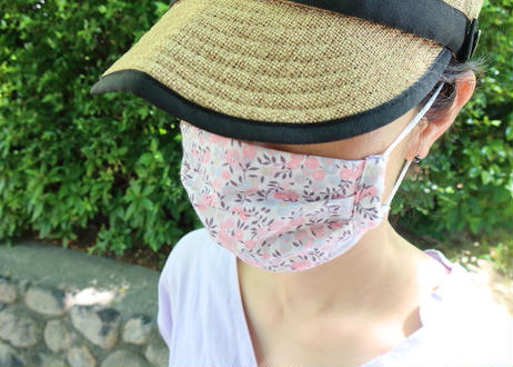ハッピーマスク・軽やかリバティダブルガーゼ(Mサイズ)・イルマ・水色