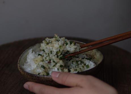 ニラの万能タレ vegan (2〜3人前)