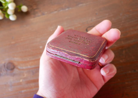 antique jewerly case from England アンティーク ジュエリーケース