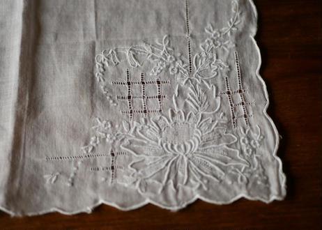 handkerchief   F