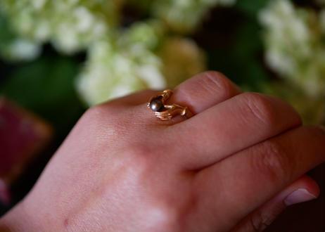 FR-19  Black pearl + hand , Ring