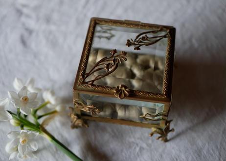 9. オルモル ガラスのジュエリーボックス フランスアンティーク