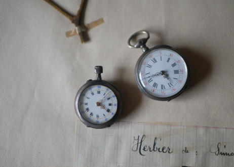 2 small watches