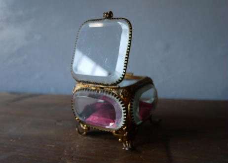 フランスアンティーク 厚いガラスのジュエリーボックス