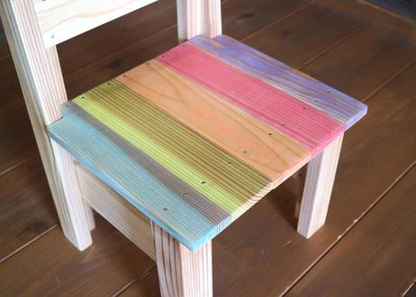 子供用カラフル椅子