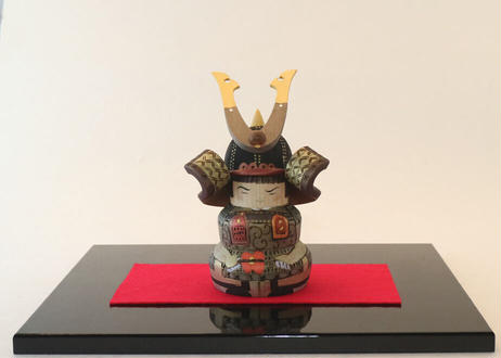 武者人形(小)<塗り台付>