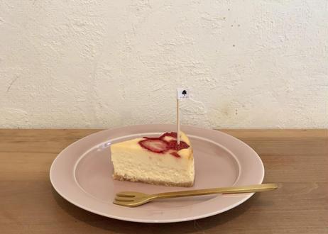 いちごとホワイトチョコレートのチーズケーキ 15㎝