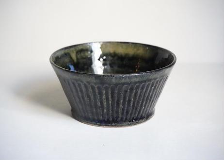 八01 黒飴釉 4寸しのぎ深鉢
