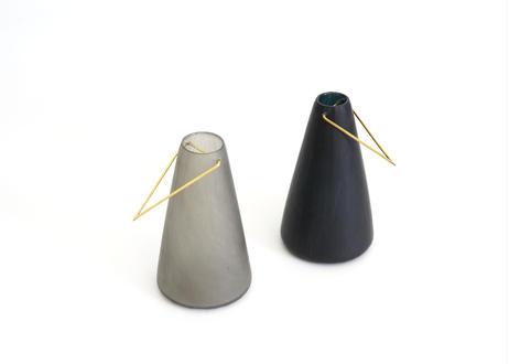 津11  :  真鍮花器 / 台形 / ネイビー
