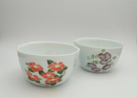 白磁鉢[花柄]