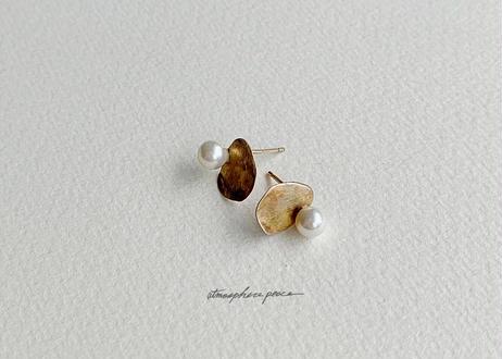【SV925】押し花:Pierced Earrings(Simple Gold / Black)
