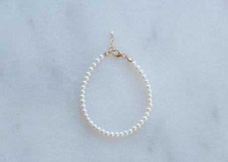 tiny M basic bracelet