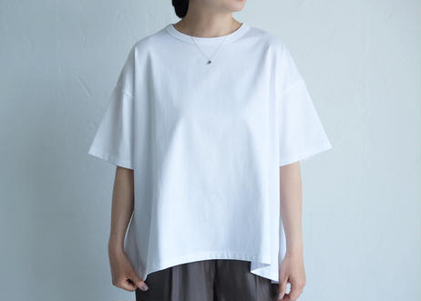 【TRAVAIL MANUEL 】ミディ天竺 バックフレアTシャツ