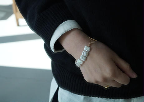 square gold mantel bracelet