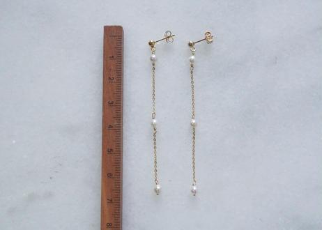 Akoya white3粒station long pierce
