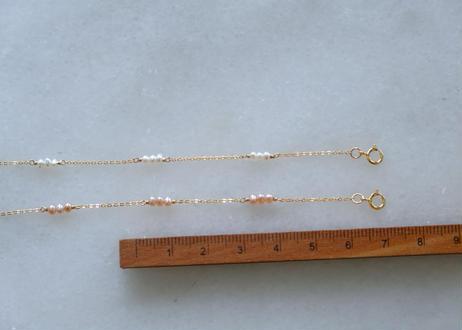 tiny station bracelet #white /pink