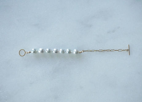 Akoya gray mantel bracelet