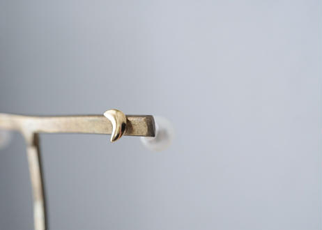 tsuki gold  stud pierce