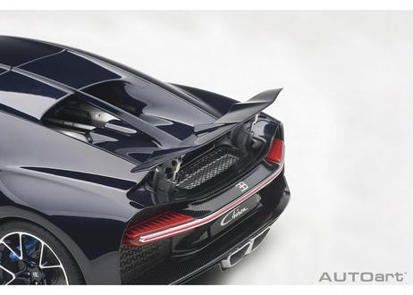 AUTOart 1/18 ブガッティ シロン 2017 (フレンチ・ブルー/ダーク・ブルー) 70993