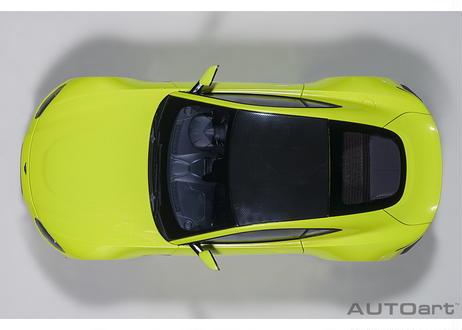 AUTOart 1/18 アストンマーチン ヴァンテージ 2019 (メタリック・ライムグリーン/カーボンブラック・ルーフ) 70279