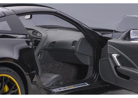 AUTOart 1/18 シボレー コルベット (C7) Z06 C7.R エディション (ブラック) 71257