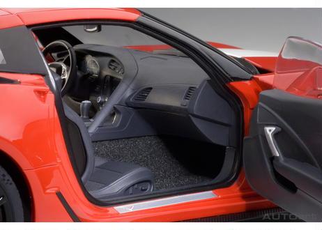 AUTOart 1/18 シボレー コルベット (C7) グランスポーツ (レッド/ホワイト・ストライプ) ※ブラック・ハッシュマーク 71274
