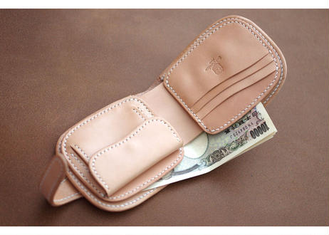 本革ショート財布【コンチョ】