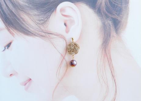 金沢水引とガラスパールの耳飾り Mizuhiki Earrings with Glass Pearl