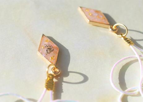 蝶を閉じ込めた純金箔と水引 ~夢ホワイト~ Pure Gold Leaf with Enclosed Butterflies and Mizuhiki Earrings ~Dream White~