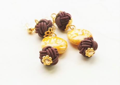 金沢水引と手描き風ビーズの和な耳飾り ~ 山吹色 ~ Mizuhiki Earrings with Beads - Bright Yellow