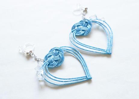 金沢水引とガラスビーズの揺れるハートの耳飾り Sway Heart Earrings with Mizuhiki & Glass Beads