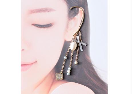 純金箔とリボン・パールのイヤーフック Pure Gold Leaf and Ribbon Pearl Ear Accessory