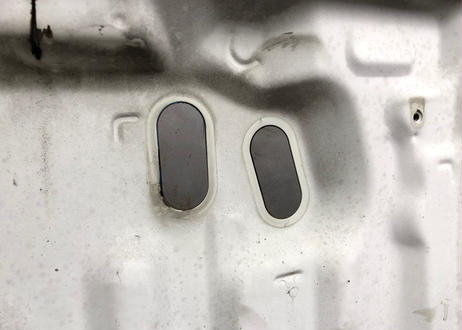 Flo's  AE86 エンジンルームボディ穴埋めプレート