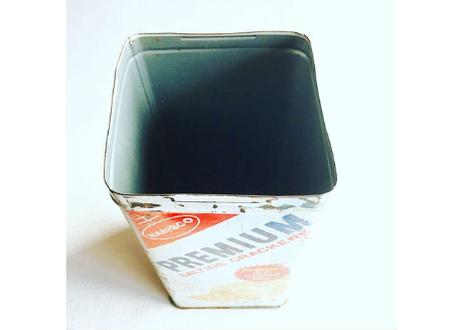 U.S.A. Vintage 1969 NABISCO ''PREMIUM'' Tincan 14oz