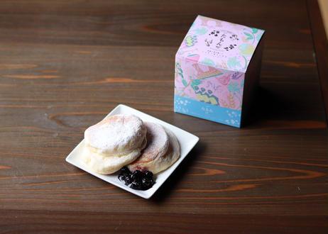 【たもんのパンケーキミックス】 厳選した国産小麦粉に三温糖を加えた上品な甘みのパンケーキミックスです。 ふんわり優しい食感と極上の風味をお楽しみください。