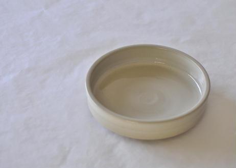 白釉切立鉢