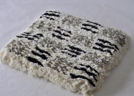 結び織りノッティング(格子・線組み合わせ)
