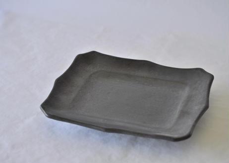 菱形皿(粉引・黒化粧)