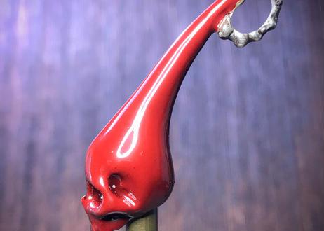 血の漆と骸骨のペンダントトップ