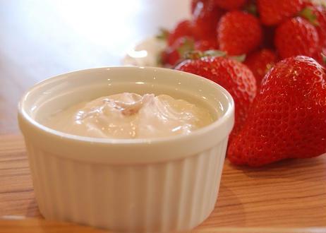 フロマージュ・ブラン 季節の果物入り  (Fromage Blanc Fruits)