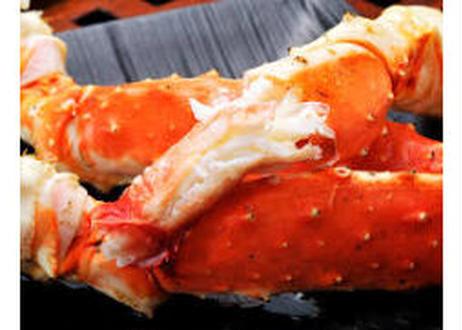 蟹選定歴40年超の職人が厳選。厳冬で研ぎ澄まされたタラバ2.0kg級