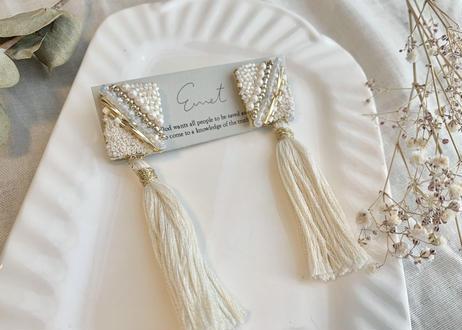 ビーズ刺繍2wayタッセルのピアス(ホワイト)