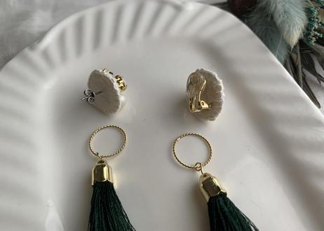 2way タッセル星の耳飾り〈ベージュ〉