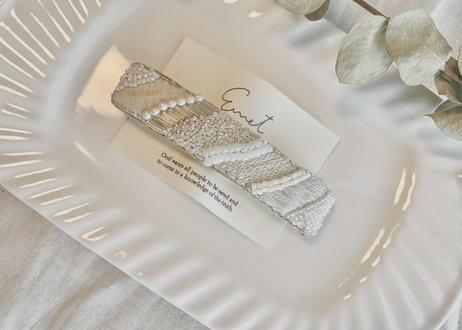 ストライプビーズ刺繍バレッタ〈ホワイト〉