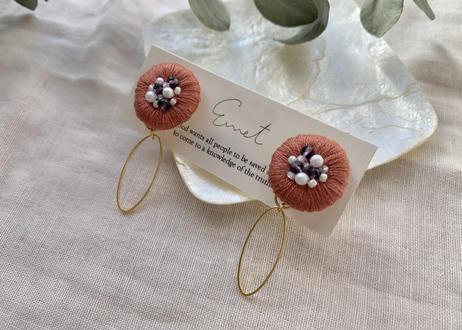 まるまる刺繍オーバルフープ イヤリング