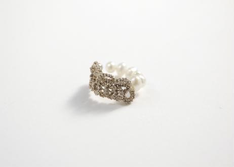 pearl lace cuff